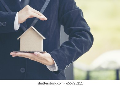 Tax Real estate agent Saving account for home insurance. real estate concept