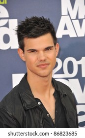 Taylor Lautner arrives at the 2011 MTV Movie Awards at the Gibson Amphitheatre, Universal Studios, Hollywood. June 5, 2011  Los Angeles, CA Picture: Paul Smith / Featureflash