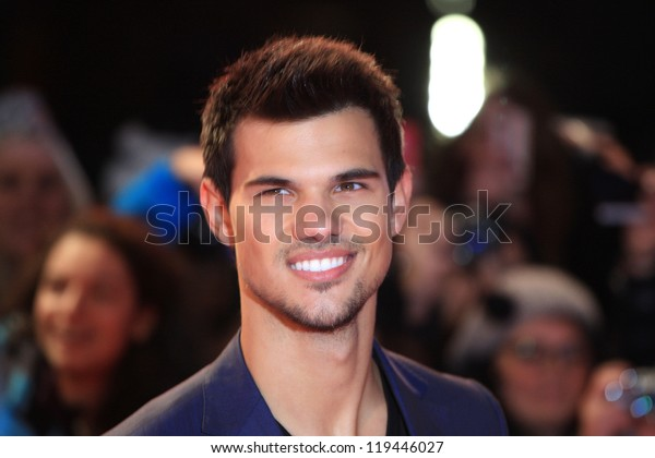 """Taylor Lautner arriving for the """"The Twilight Saga: Breaking Dawn Part 2"""" premiere at the Odeon Leicester Square, London. 14/11/2012 Picture by: Henry Harris"""