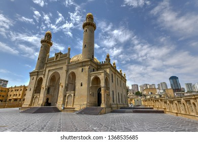 Taza Pir Mosque mosque in Baku, Azerbaijan. Its construction began in 1905 and was finished by 1914.