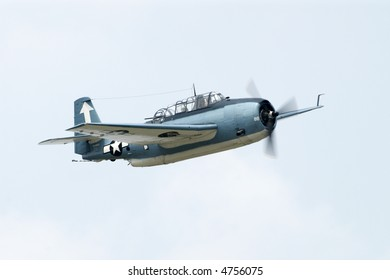 TBM-3E Avenger performing at an airshow