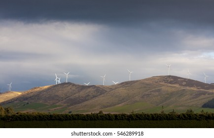 te apiti - wind farm New Zealand.