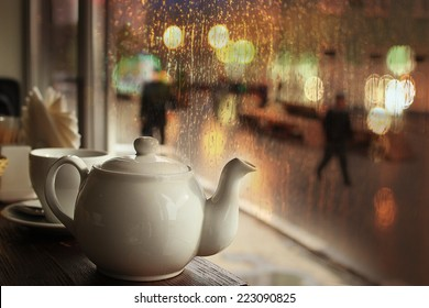 tea in the cafe showcase city