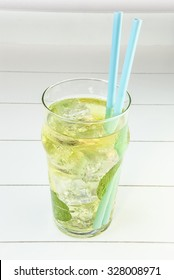 Tea cold with ice and mint