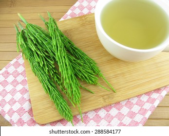 Tea from equisetum arvense