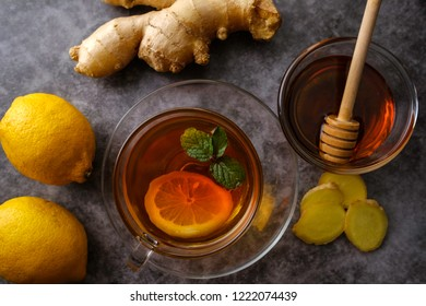 Tea with ginger, lemon, honey and mint