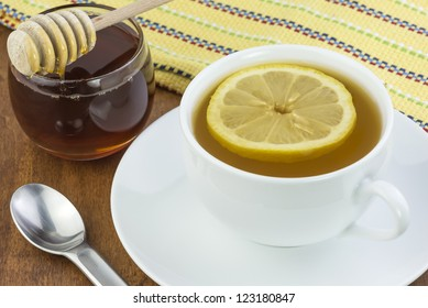 tea lemon and honey to sooth a cold