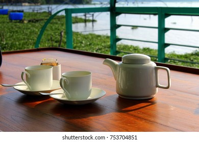 tea on a house boat this pic was taken on a houseboat during morning breakfast