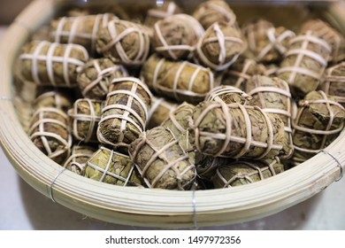 Tea, pu 'er tea, is a kind of tea, produced in yunnan, China.