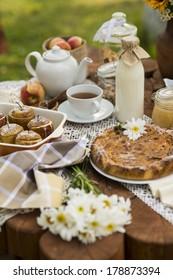 tea sweet table