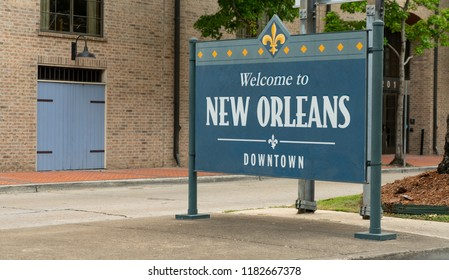 Teal and yellow paint welcomes people to New Orleans Louisiana