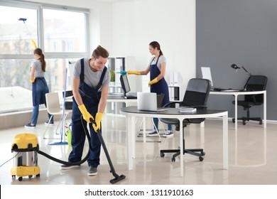 Team der Reinigungsabteilung für Hausmeister