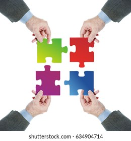 Teamwork. Coordinated work of a team towards a common goal. Conceptual image