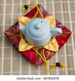 teapot for tea ceremony, gift packing