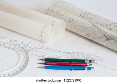 Technical drawing and equipment for drawing