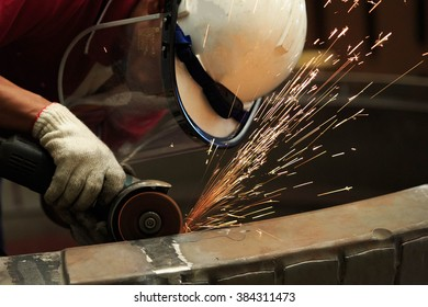 Technician preparation surface by hand grinding tool