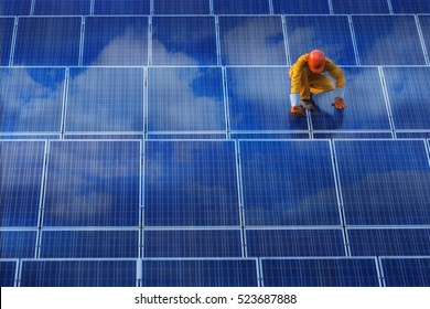 technician Unscrew solar panel