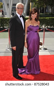 Ted Danson & wife Mary Steenburgen at the 2009 Creative Arts Emmy Awards at the Nokia Theatre L.A. Live in Downtown Los Angeles. September 12, 2009  Los Angeles, CA Picture: Paul Smith / Featureflash