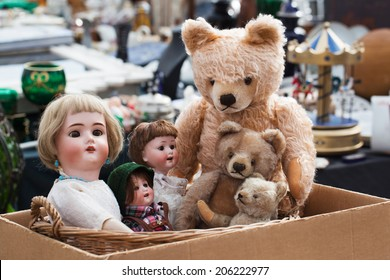 Teddies and dolls at flea market