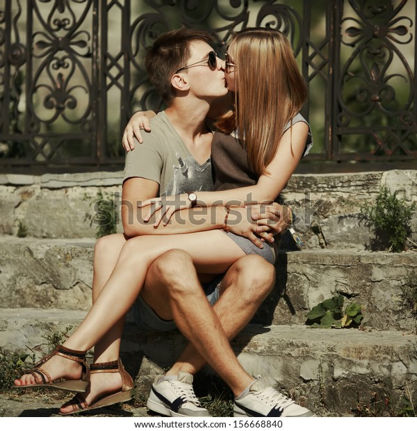 Kissing steps in Step