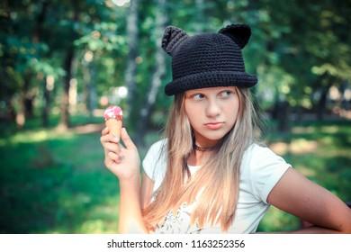 1e5f7bb7 image.shutterstock.com/image-photo/teen-girl-blond...