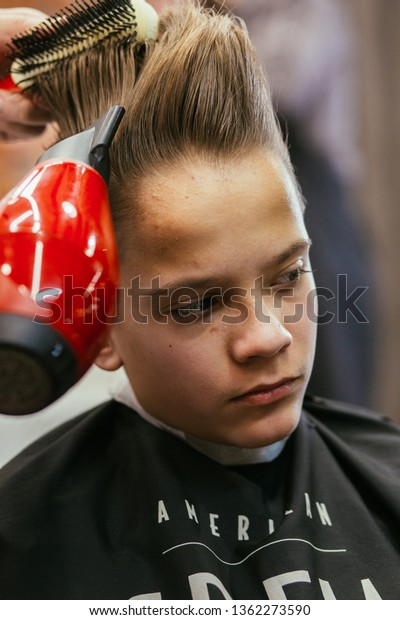 Barber Shop Haircuts Pictures 96