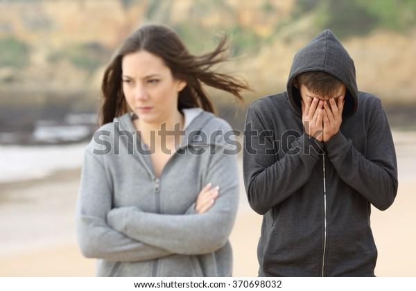 Dating någon efter en bryta upp gås bäcken krok upp