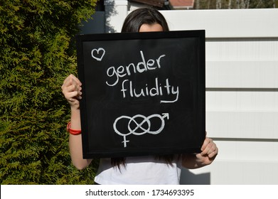 Teenager shows her support for gender fluidity and finding own non-binary identity
