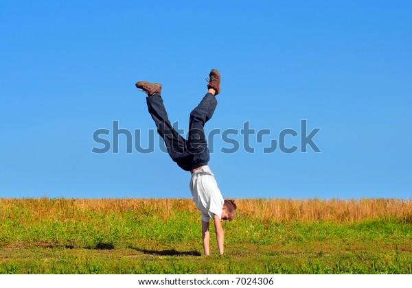 teenager walk on arms