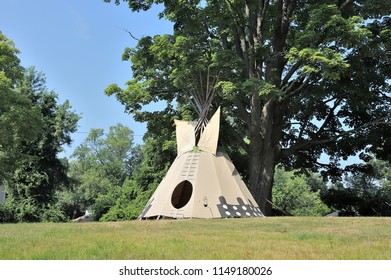 Teepee (Tipi) Front View