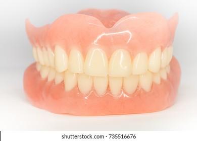 teeth arrangement of complete dentures