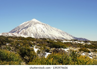 The Teide National Park in Tenerife offers a special atmosphere in wintertime with snow on the Teide, the highest Peak from spain