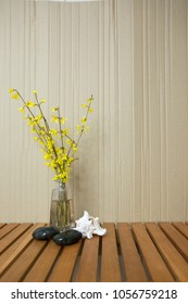 teksture with yellow flowers