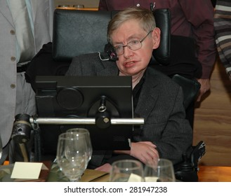 Tel Aviv, Israel, Dec, 12, 2006: Professor Stephen Hawking is visiting Tel Aviv university, and having a dinner with the physics faculty members