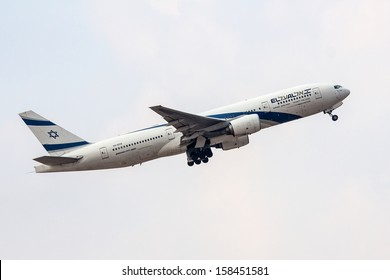 TEL AVIV, ISRAEL - JULY 12: EL AL Boeing 777 lands at  the Ben Gurion International Airport  on July 12, 2013  in Tel Aviv, Israel. It seats 451 passenger.