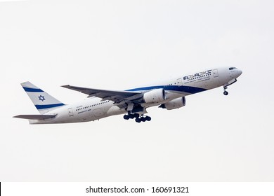 TEL AVIV, ISRAEL - JULY 12: EL AL Boeing 777 lands at  the Ben Gurion International Airport  on July 12, 2013  in Tel Aviv, Israel. It seats 451 passenger.
