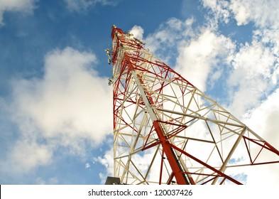 Telecommunication signal tower