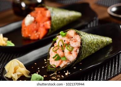 Temaki Sushi couple