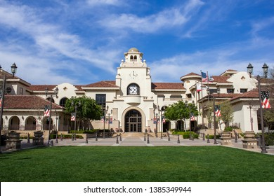 Temecula, California/United States - 04/08/2019: Temecula City Hall building and front lawn in the plaza