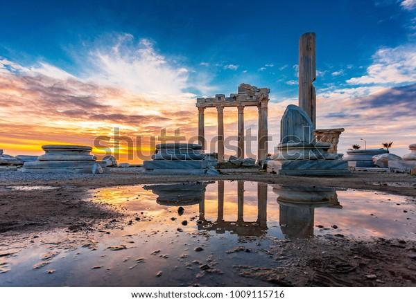 Der Tempel von Apollo in der Stadt Antalya