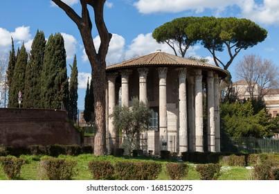 The Temple of Hercules Victor (Hercules the Winner) (Tempio di Ercole Vincitore) or Hercules Olivarius. Roman round temple in Piazza Bocca della Verita, in the area of the Forum Boarium. Rome, Italy