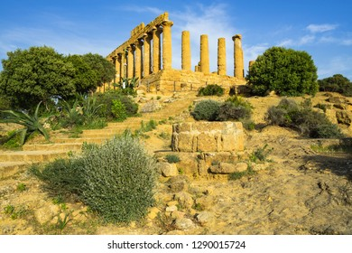 Temple of Juno (Giunone) or Temple of Hera at Valle dei Templi (Valley of the Temples), UNESCO World Heritage Site, Agrigento, Sicily, Italy