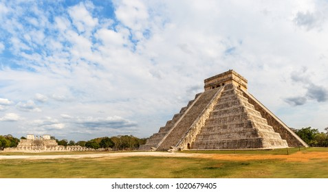 Temple of Kukulcan or the Castle, the center of the Chichen Itza archaeological site, Yucatan, Mexico
