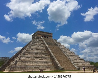 Temple of Kukulcan in Chichen Itzá on the Yucatán peninsula in Mexico