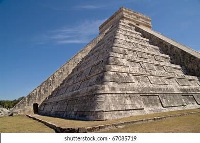 Temple of Kukulkan (El Castillo, the castle) - Chichen Itza, Yucatan, Mexico. A UNESCO World Heritage Site