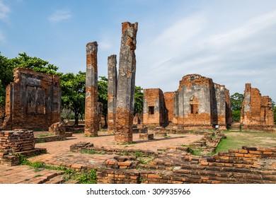 Temple pagoda ruin ancient invaluable at ayutthaya, thailand