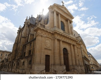 The Temple Protestant Oratoire is a historic Protestant church located at rue Saint-Honore in the 1st arrondissement of Paris, across the street from the Louvre. It was founded in 1611.
