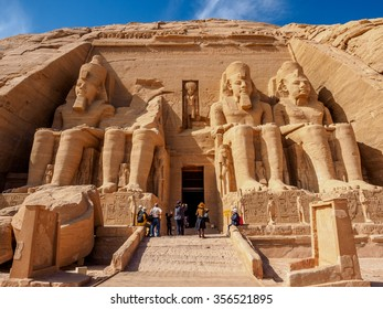 Temple of Rameses 2 in Abu Simbel at noon
