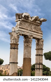 Temple of Venus Genetrix, 46 b.C. with columns and capitals in Corinthian style, Roman Forum, Rome, UNESCO world heritage site, Italy, Latium, Europe