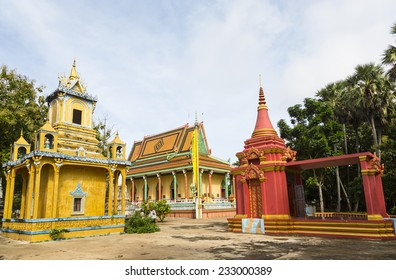 Temple at Wat Hanchey Buddhist monastery, near Kampong Cham